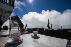 Káva v La Panoramic ve výšce 2 525m